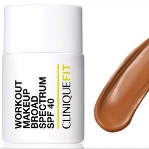 NIB CliniqueFIT 07 Deep Foundation Workout Makeup